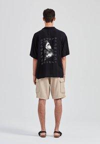 PULL&BEAR - Overhemd - black - 3