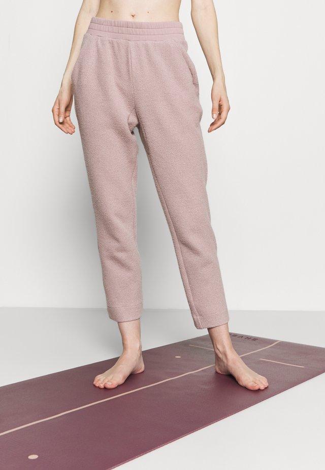 BRYMHURST PANT - Teplákové kalhoty - sphinx