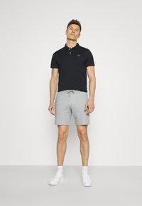 GANT - ORIGINAL - Shorts - grey melange - 1