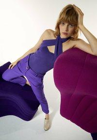Uterqüe - Chinos - purple - 5