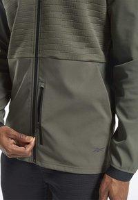 Reebok - THERMOWARM DELTAPEAK FULL-ZIP CONTROL - Zip-up hoodie - green - 4