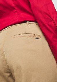 HUGO - HECIA - Chino kalhoty - light beige - 6