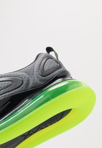 Nike Sportswear - AIR MAX 720 - Sneakersy niskie - smoke grey/electric green/anthracite - 5