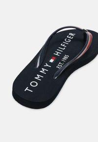 Tommy Hilfiger - GLOSSY BEACH  - T-bar sandals - desert sky - 5