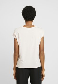 Vero Moda - VMAVA PLAIN - T-shirt basic - sepia rose - 2