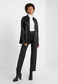 rag & bone - JANE TROUSER - Spodnie skórzane - black - 1