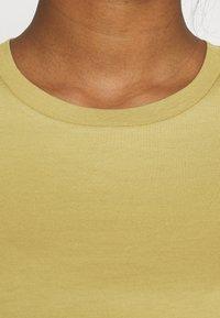 Minimum - KIMMA - Basic T-shirt - khaki/green - 4