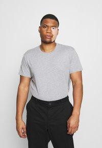 LTB - 3 PACK - Basic T-shirt - black/grey/white - 5