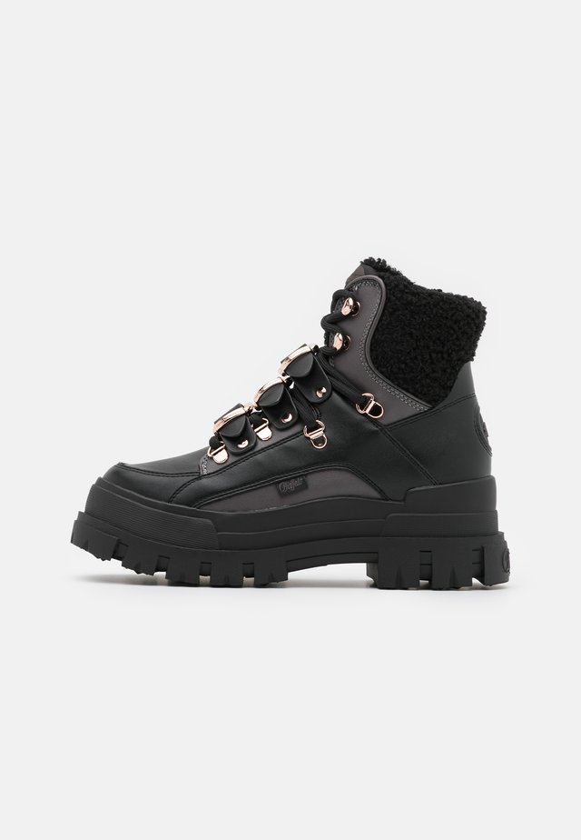 MH X BUFFALO ASPHA BOOT - Cowboy-/Bikerstiefelette - black/dark grey