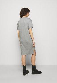 HUGO - NEYLETE REDLABEL - Sukienka z dżerseju - grey melange - 2