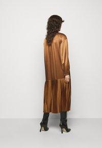 By Malene Birger - LEMONA - Koktejlové šaty/ šaty na párty - walnut - 2