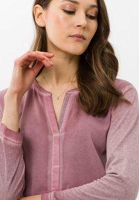 BRAX - STYLE CLARISSA - T-shirt à manches longues - pink - 3