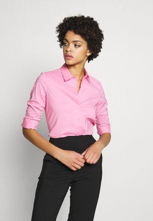 BENITA ESSENTIAL BLOUSE - Button-down blouse - funky berry