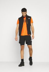 The North Face - CIRCADIAN LINED SHORT - Sports shorts - black - 1