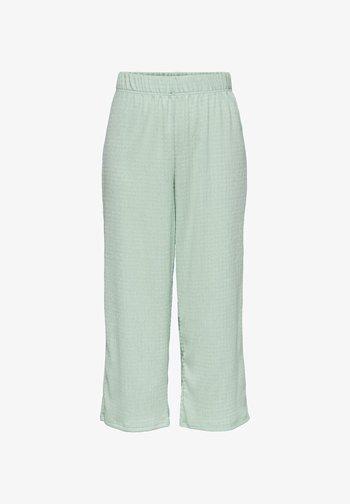 ONLSANDRA 7/8 PANTS JRS - Tracksuit bottoms - mint