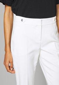 comma - Pantalon classique - white - 5