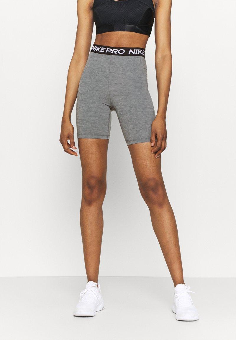 Nike Performance - SHORT HI RISE - Legging - smoke grey/black