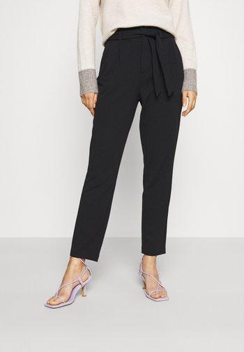 ONLSURI CAROLINA PANT - Trousers - black