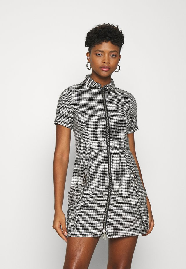 HOUNDSTOOTH SHIRT DRESS STRAPPED POCKETS - Vestito estivo - black/white