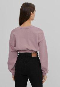 Bershka - MIT GUMMIZUG  - Sweatshirt - pink - 2