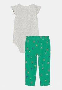 Carter's - FLOWER SET - Print T-shirt - green - 1