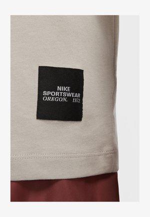 TREND SPIKE - Print T-shirt - college grey
