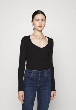 EDA - Long sleeved top - black