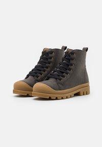 NAE Vegan Shoes - NOAH VEGAN - Nilkkurit - grey - 2