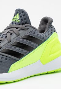 adidas Performance - RAPIDA ACTIVE CLOUDFOAM RUNNING SHOES - Neutral running shoes - grey four/clear black/signal green - 3