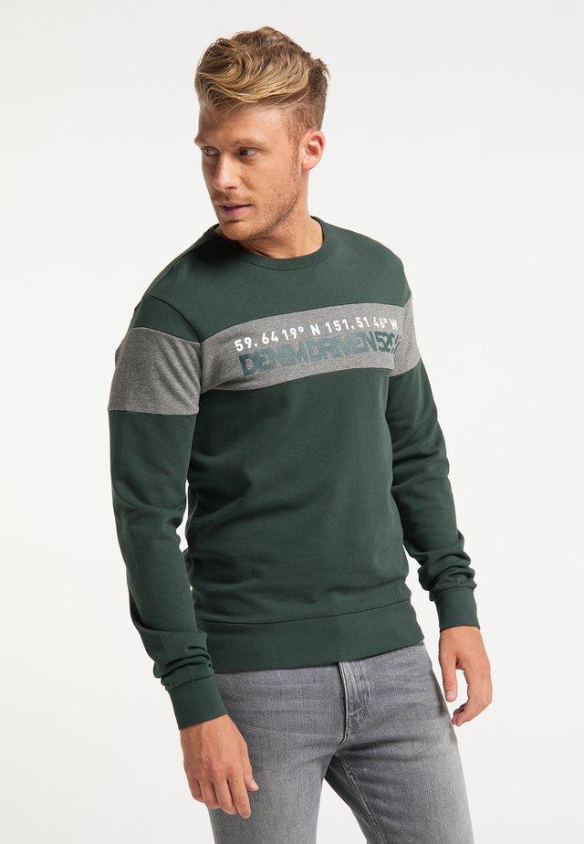 Sweater - bottle
