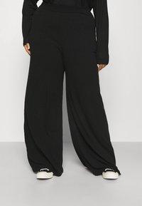 Missguided Plus - WID LEG TROUSER - Trousers - black - 0