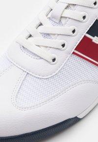 Bugatti - TREVOR - Trainers - white - 5