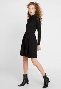 ONLY - ONLNIELLA DRESS - Vestido ligero - black - 0