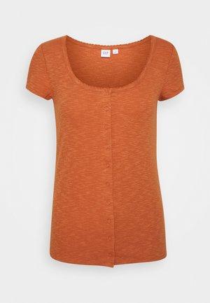 SCOOP CARDI - T-shirts med print - copper