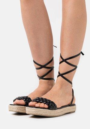 ANASTASIA - Sandały na platformie - black