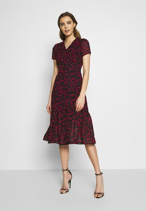 BUTTON FRONT TIERED HEM MIDI TEA DRESS - Skjortekjole - black/red