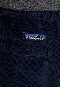Patagonia - ORGANIC PANTS - Tygbyxor - neo navy - 3