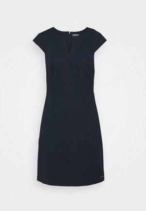 DRESS SIGNATURE SHIFT - Robe fourreau - sky captain blue