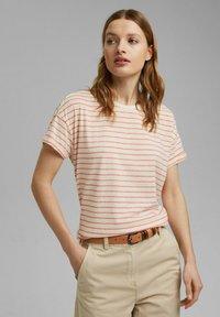 Esprit - Print T-shirt - orange red - 0