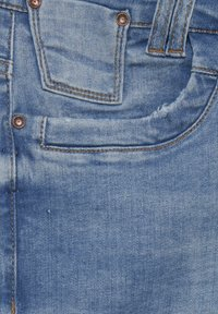 PULZ - Denim shorts - light blue denim - 6
