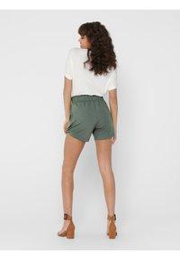 JDY - JDYNEW CATIA - Shorts - castor gray - 2