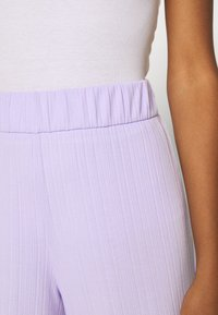 Monki - Kalhoty - lilac - 4