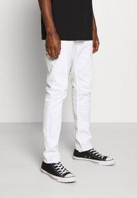 Hollister Co. - Džíny Slim Fit - white - 0