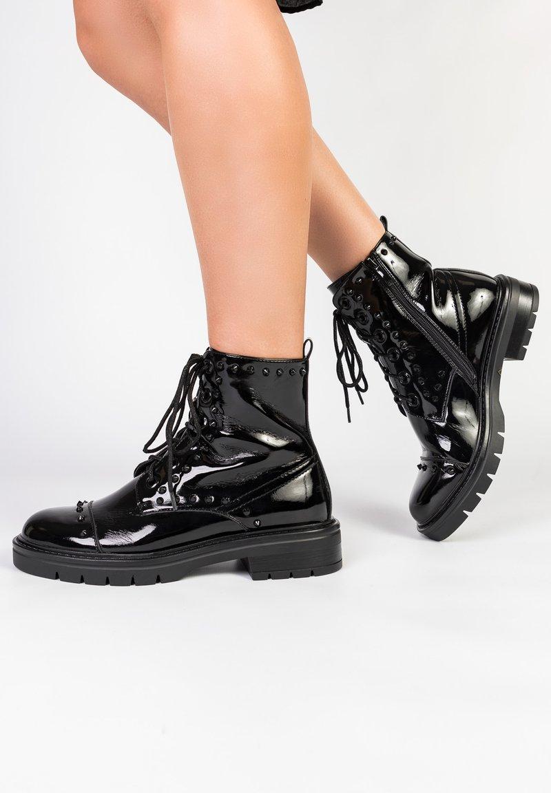 Betsy - Platform ankle boots - schwarz
