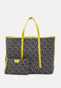 Marc Cain - SHOPPER BAG SET - Shopper - black/white - 3