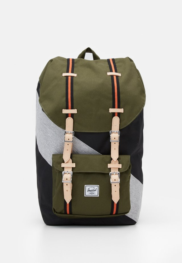 LITTLE AMERICA - Mochila - black/ivy green/light grey