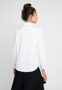 Rich & Royal - BLOUSE WITH RUFFLES - Bluser - white - 2