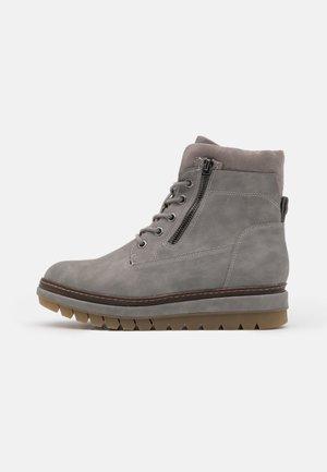 Platform ankle boots - grey matt