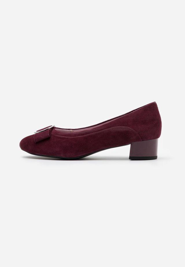 COURT SHOE - Classic heels - wine