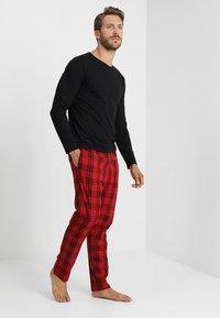 YOURTURN - Pyjama set - black/red - 1
